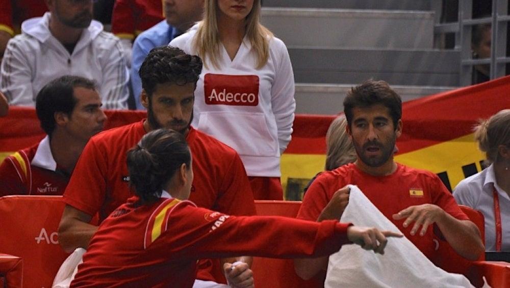 Marc López y Feliciano López reciben instrucciones de Conchita Martínez