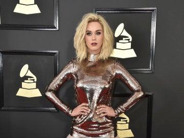 Una rubísima Katy Perry se metalizó para la ocasión