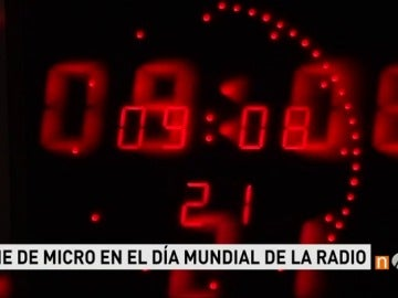 Frame 61.398333 de: Los profesionales de la radio celebran su día incluso en directo