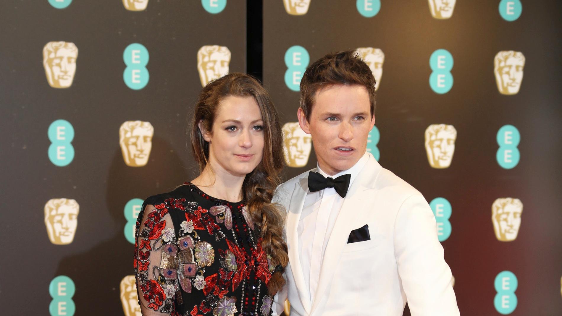 Eddie Redmayne junto a su mujer, Hannah Bagshawe