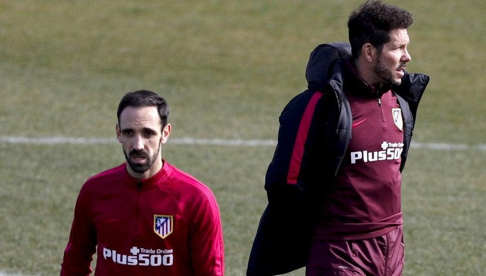 Juanfran, en un entrenamiento del Atlético de Madrid