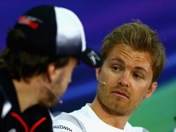 Rosberg y Alonso, en una rueda de prensa