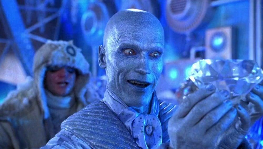 Arnold Schwarzenegger interpretando a Mr. Freeze en 'Batman y Robin?