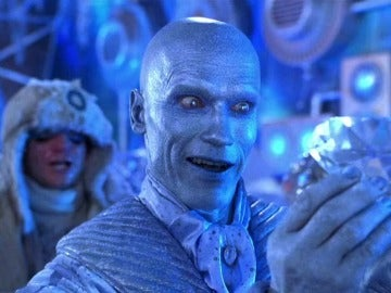 Arnold Schwarzenegger interpretando a Mr. Freeze en 'Batman y Robin?