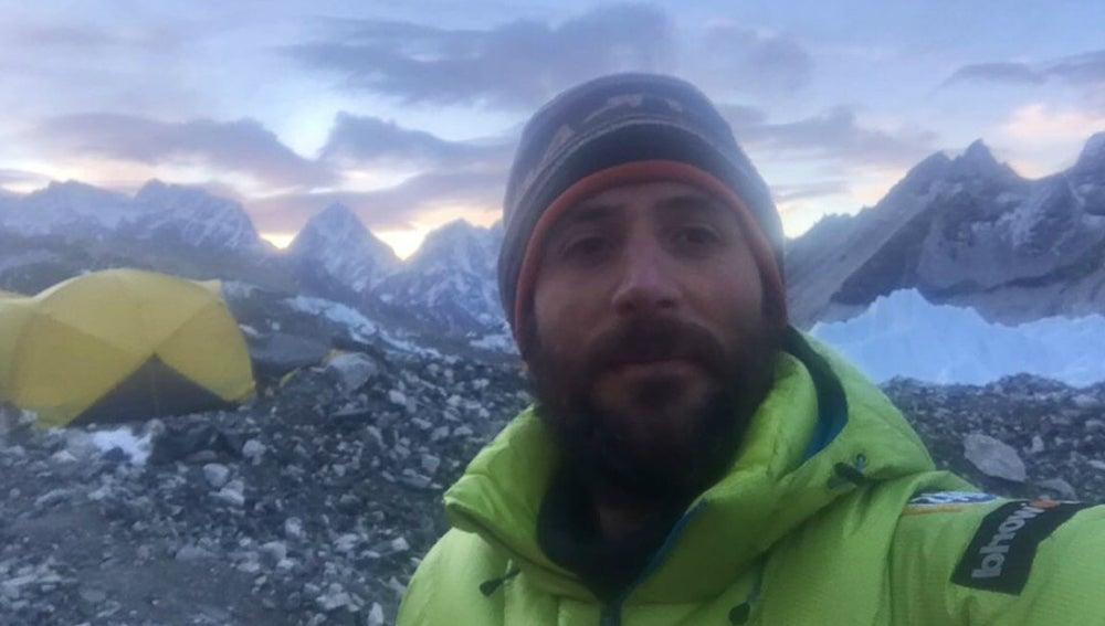 Alex Txikon durante su ascenso al Everest