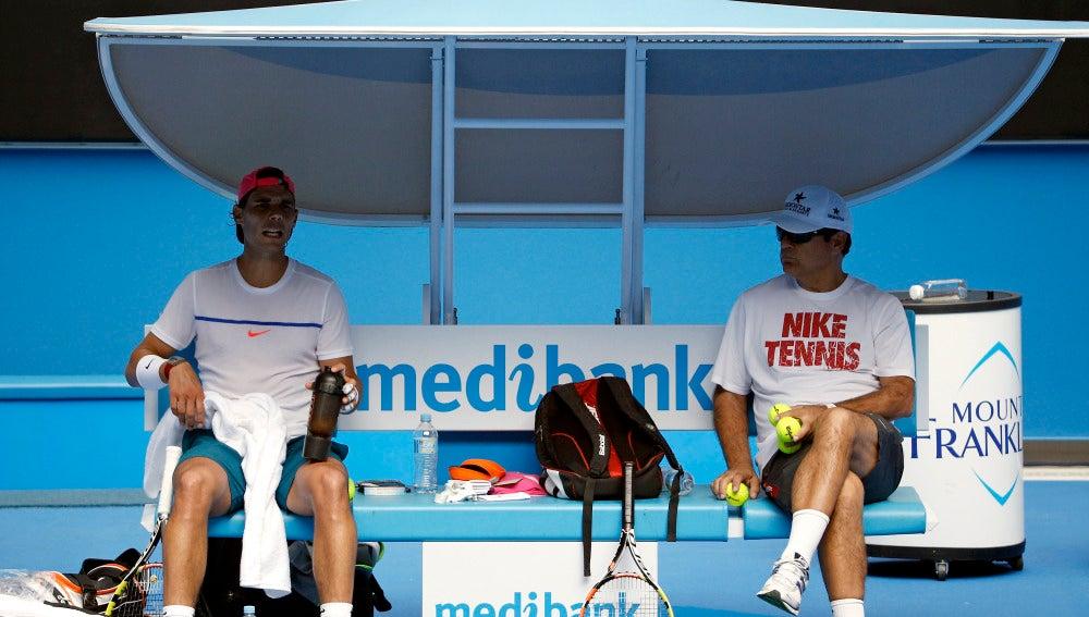 Toni Nadal, junto a Rafa Nadal