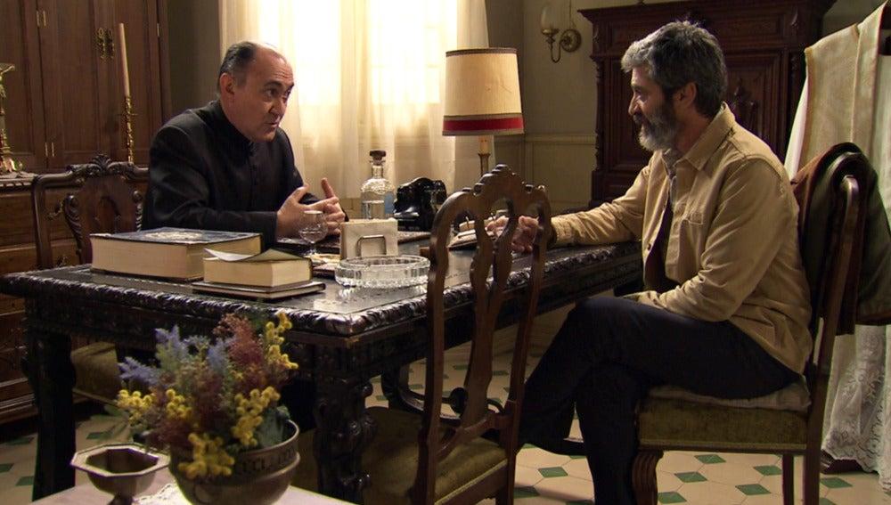 Argimiro pone freno a los sentimientos de Esteban hacia Rosalía
