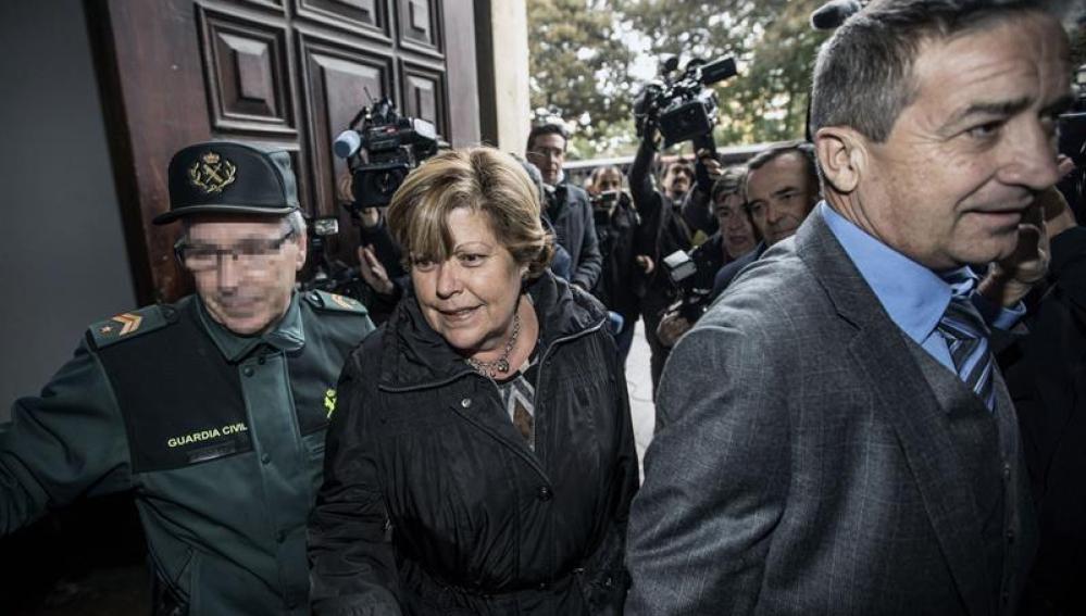 Milagrosa Martínez llega a la Audiencia