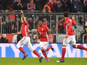 Robben celebra su gol ante el Arsenal