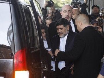 Maradona abandona su hotel en Madrid