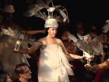 """Frame 26.797055 de: La experiencia de participar en el musical de """"El Rey León"""" durante un día"""
