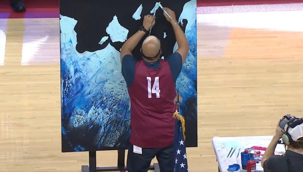 Joe Everson, el artista que pintó un cuadro mientras cantaba el himno de EEUU