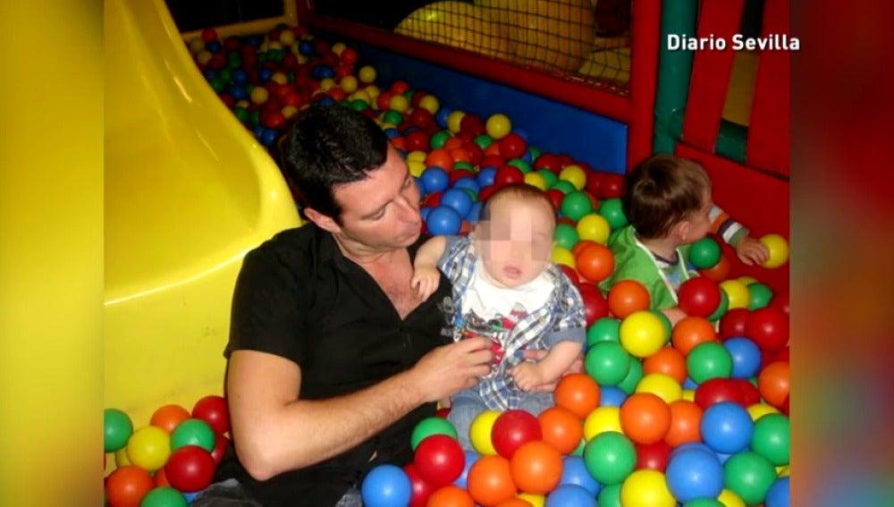 Frame 70.479535 de: Detienen a un sevillano por la muerte de sus dos hijos de 5 y 4 años en Alemania