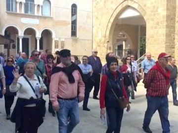Los aficionados del Athletic de Bilbao pasean por las calles de Nicosia