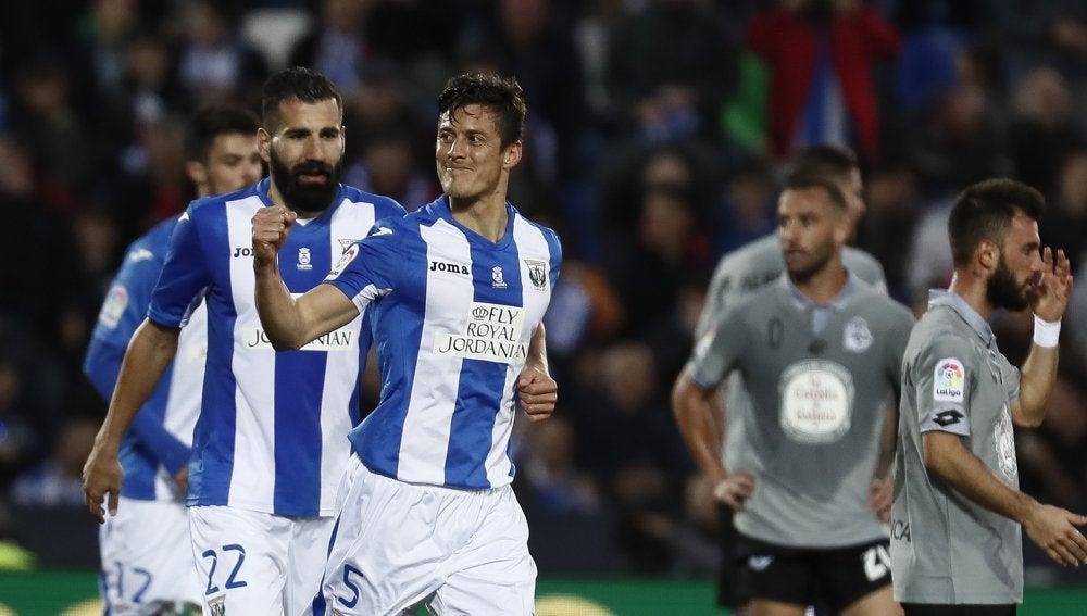 Mantovani celebra su gol contra el Deportivo de la Coruña
