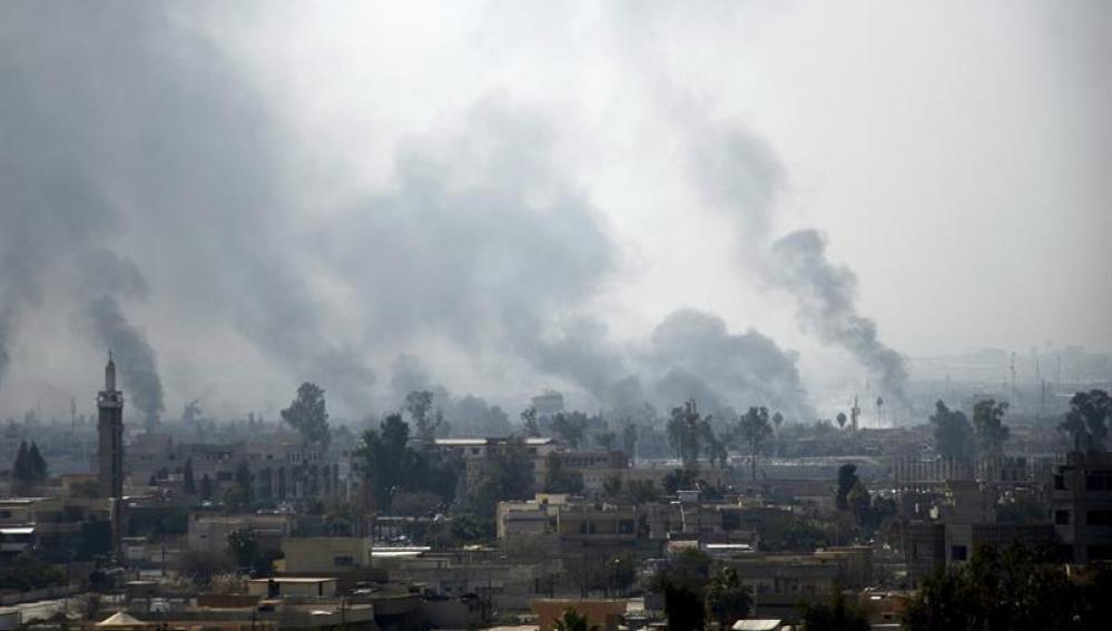 Tres terroristas acaban con la vida de cinco familiares
