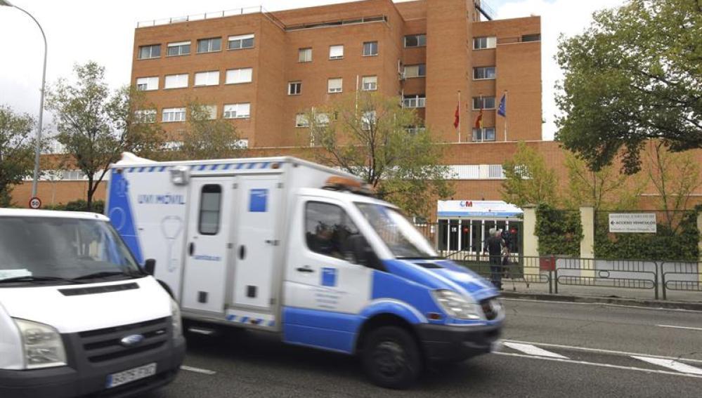 Un médico cumple sanción de dos años por alterar datos clínicos de pacientes, hospital Carlos III de Madrid.