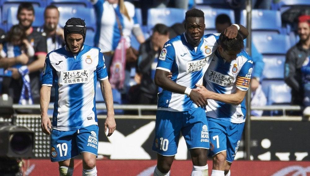 Los jugadores del Espanyol celebran el gol de Caicedo ante Osasuna