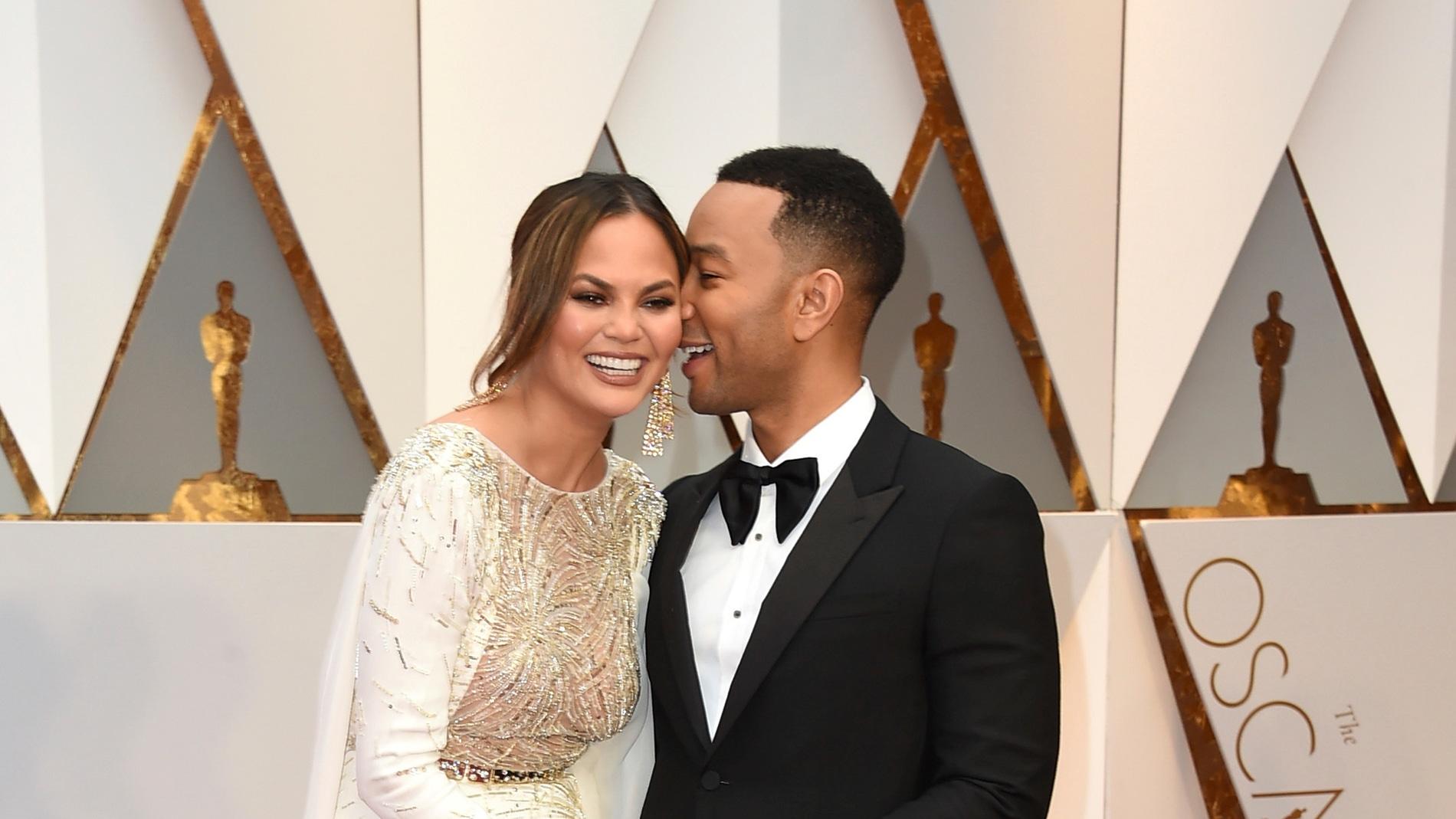 Chrissy Teigen y John Legend han desprendido amor sobre la alfombra roja