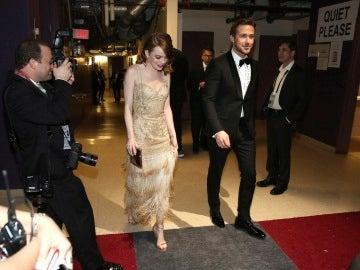Emma Stone y Ryan Gosling tras bambalinas en los Oscar 2017