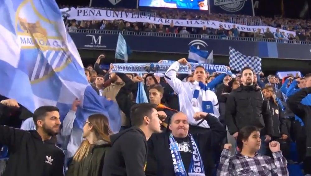 Los aficionados del Málaga rinden homenaje a Pablo Ráez