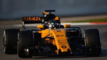 Nico Hulkenberg prueba su nuevo Renault en Montmeló