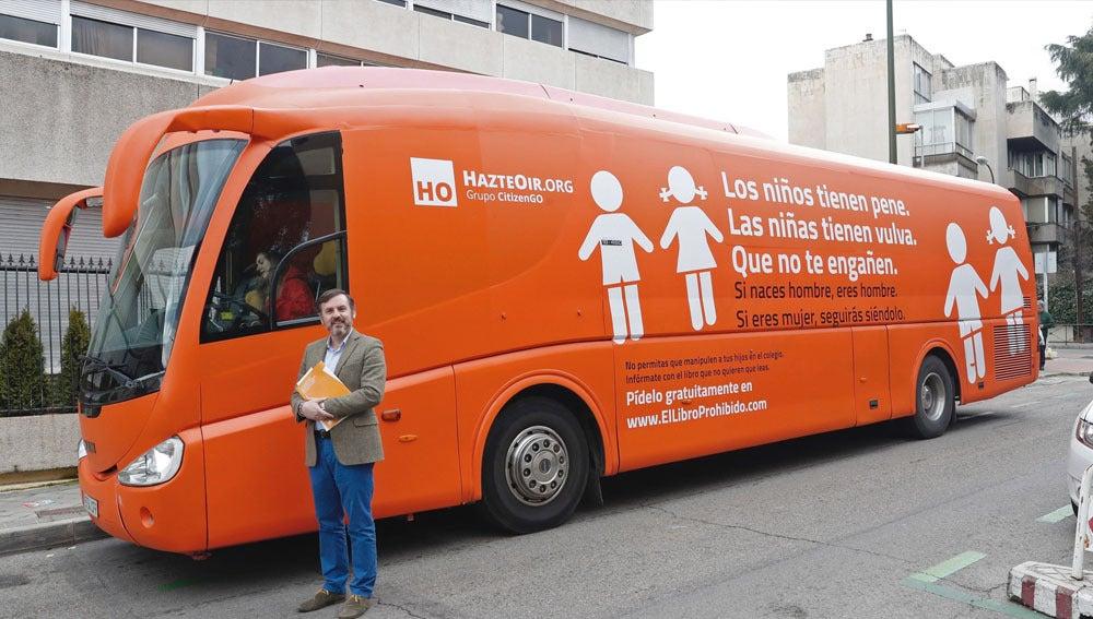 Autobús transfóbico de Hazte Oir