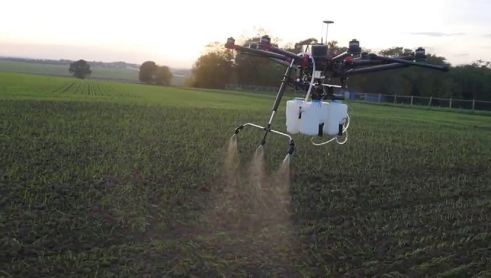 Frame 9.512203 de: Estudiar para piloto de drones