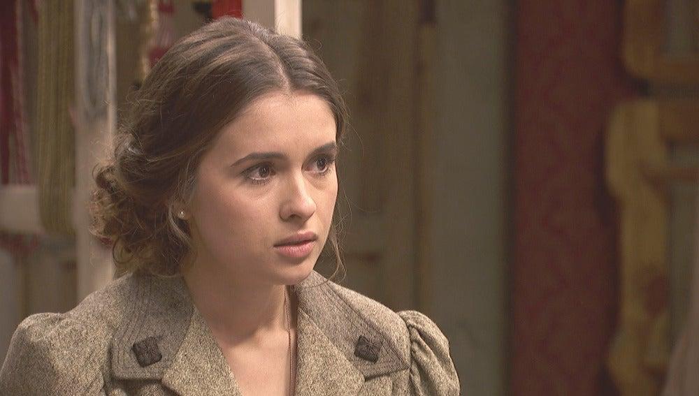Las inoportunas preguntas de Dolores hacen temblar a Beatriz