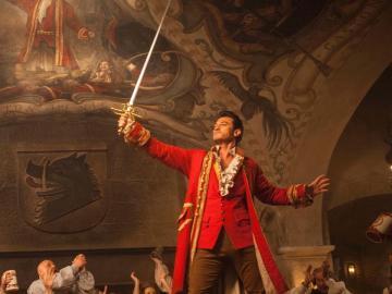 Luke Evans es Gastón en 'La Bella y la Bestia'