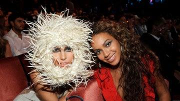 Lady Gaga y Beyoncé