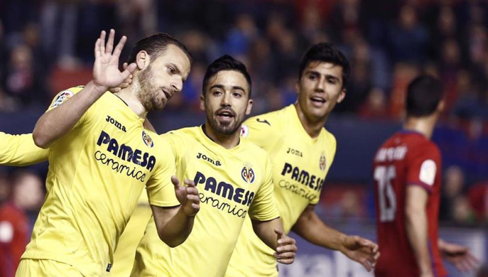 El Villarreal celebra uno de sus goles ante el Osasuna