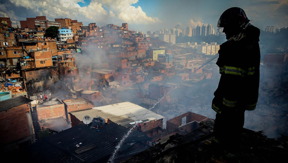 Incendio en la favela de Paraisópolis