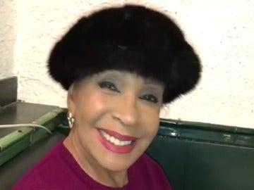 Shirley Bassey envía un emotivo vídeo de agradecimiento a Lorena Gómez por su imitación