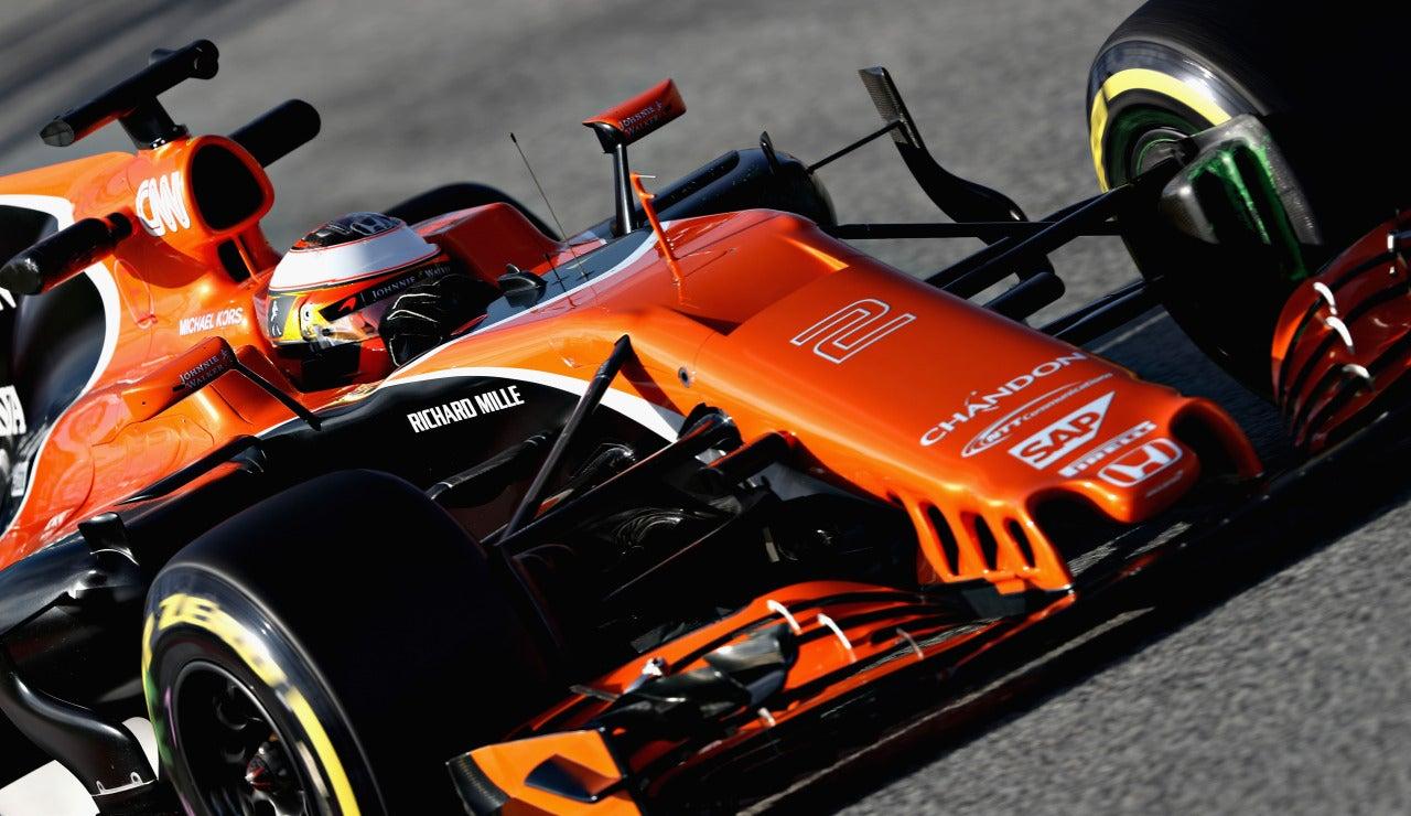 Vandoorne rueda con el McLaren Honda en Montmeló