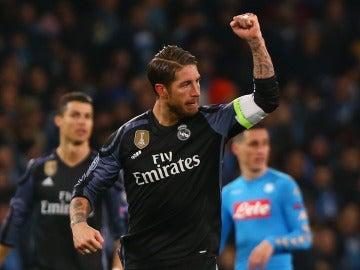 Sergio Ramos celebra sus goles al Nápoles