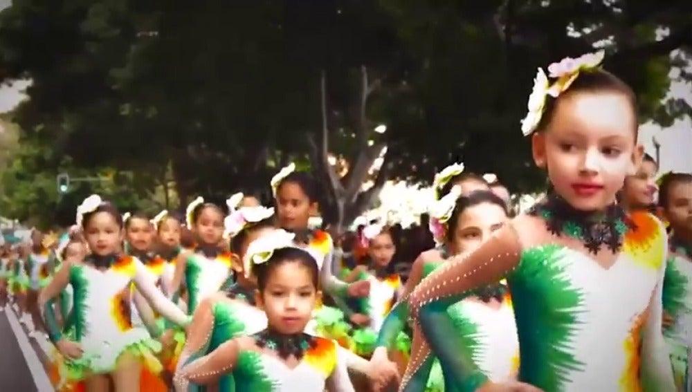 Frame 13.85882 de: Lo mejor del carnaval de Santa Cruz de Tenerife