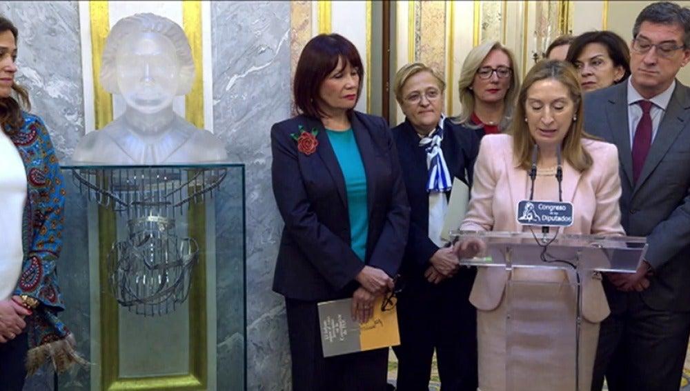 """Frame 2.222215 de: Ana Pastor: """"Las principales conquistas ciudadanas en España han venido de la mano de las mujeres"""""""