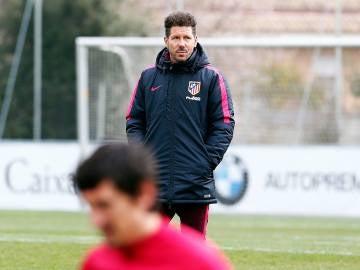 Simeone durante el entrenamiento