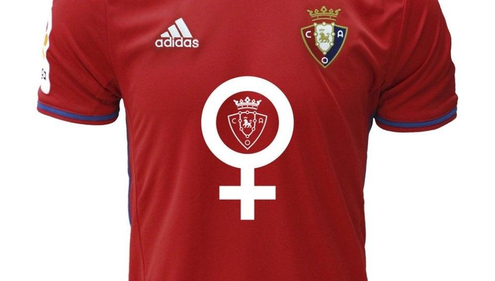 La camiseta del Osasuna con el símbolo femenino