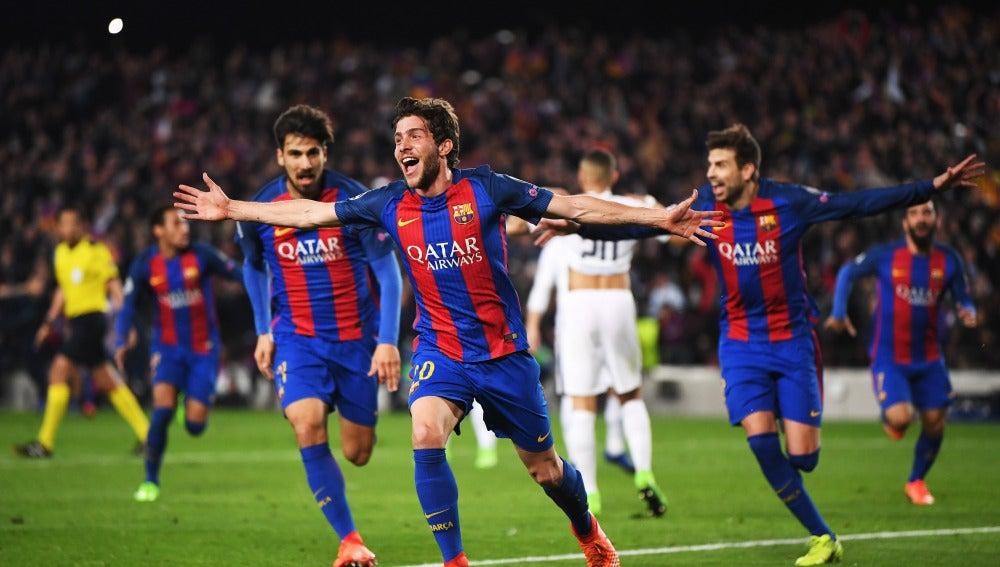 Sergi Roberto celebra el sexto gol ante el PSG