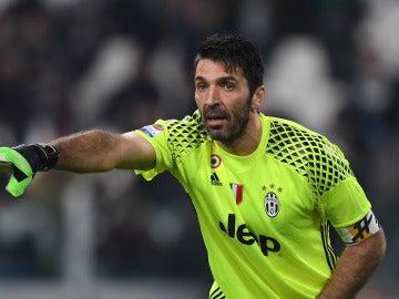 Buffon en un partido con la Juventus