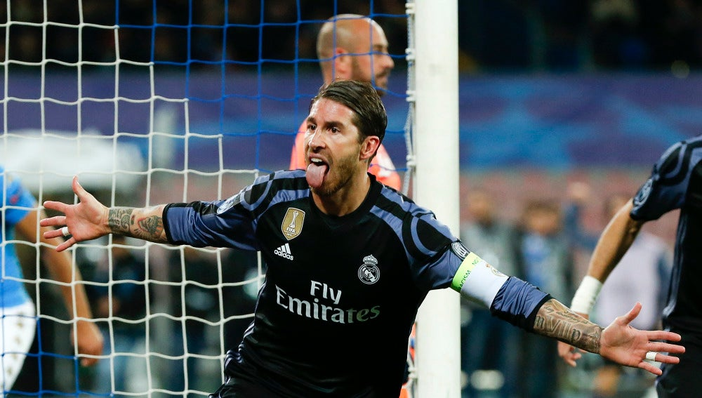 Sergio Ramos celebra el 1-1 contra el Nápoles