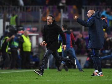 Luis Enrique, eufórico en el Camp Nou tras lograr el pase a cuartos