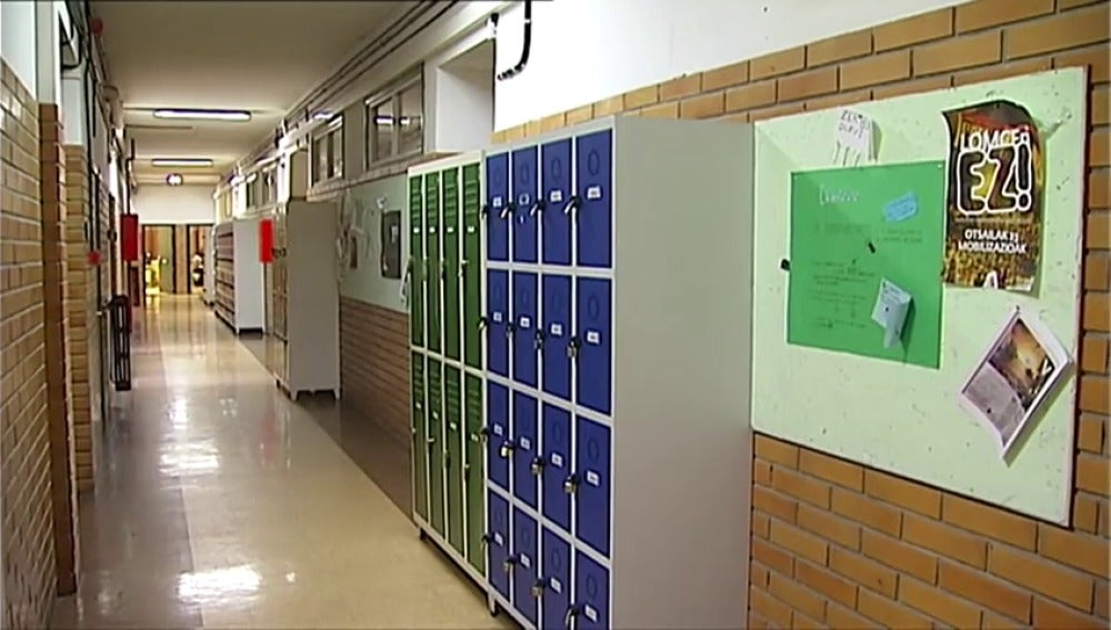 Frame 42.902166 de: Tercera huelga de estudiantes de la enseñanza pública en lo que va de curso