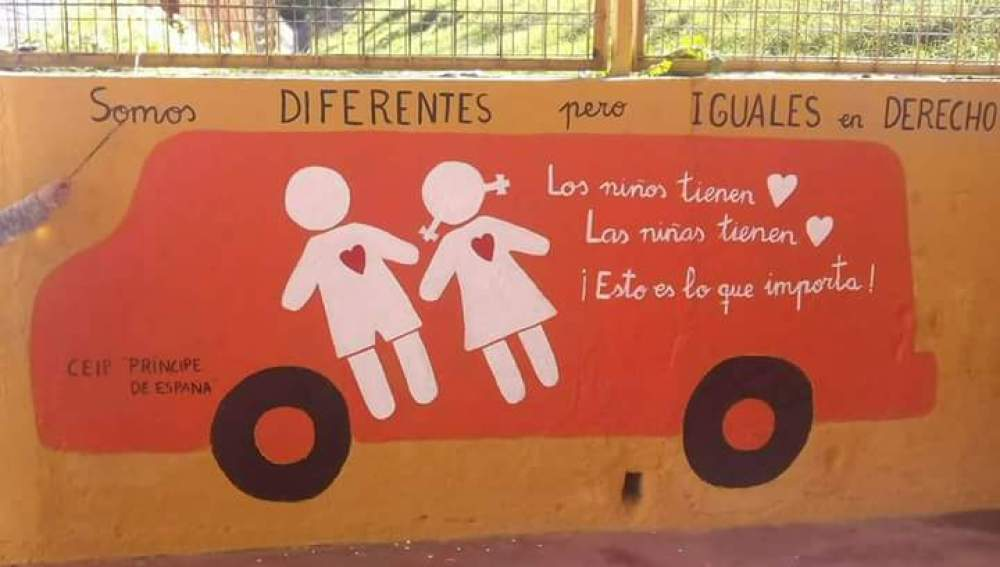 Autobús contra el odio hecho por niños de Huelva