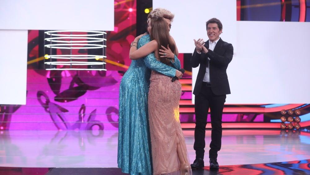Cristóbal Garrido emociona a Mónica Naranjo, que rompe a llorar tras su actuación como Olga Guillot