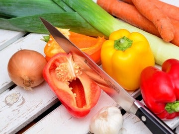Expertos afirman que no lavar frutas y verduras no conlleva ningún riesgo