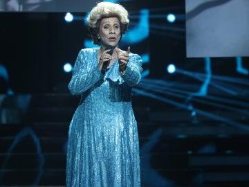 Cristóbal Garrido se transforma en Olga Guillot para interpretar el tema 'Soy lo prohibido'