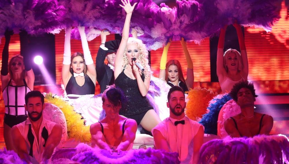 Ruth Calixta se mete en la piel de una despampanante Christina Aguilera interpretando 'Lady Marmalade'